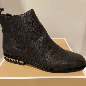 New Michael Kors Sabrina Flat Pebbled Leather Boot